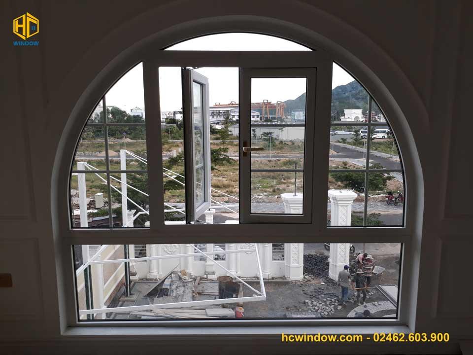 cửa sổ mở quay 2 cánh nhôm xingfa chính hãng